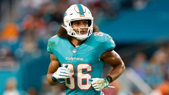 Mack Hollins on being named captain, Tua Tagovailoa not being one with Dolphins