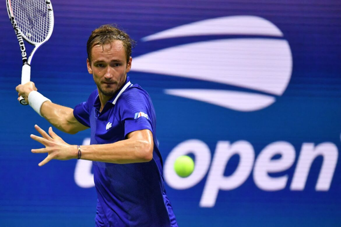 Tennis champ executes the FIFA Dead Fish celebration after winning the US Open